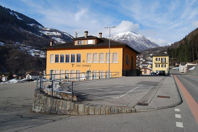 Comune di blenio aquila for Casa comunale